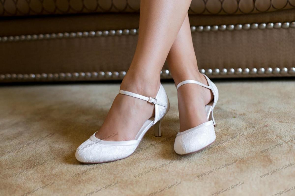 c52d47c2aa DAISY MENYASSZONYI CIPŐ | Szatén menyasszonyi cipő. (cikkszám: DAISY  MENYASSZONYI CIPŐ)