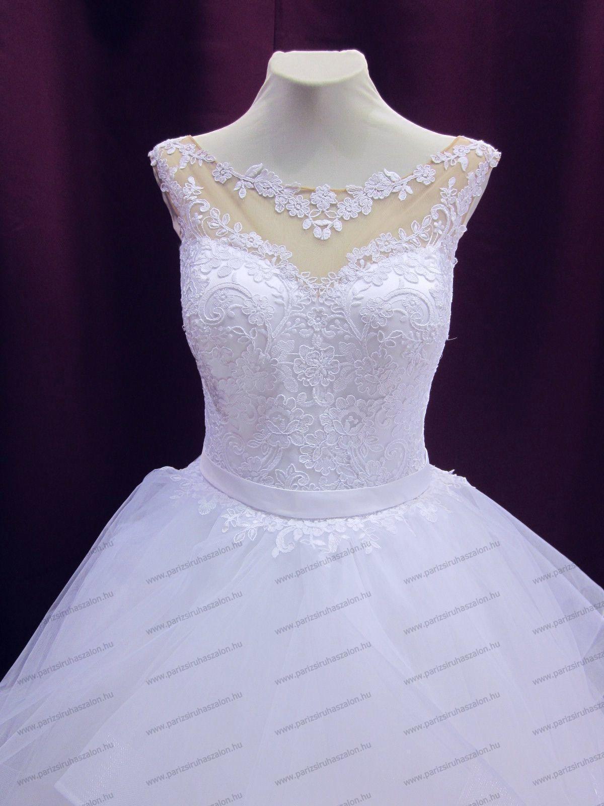Tüll menyasszonyi ruha URZ 63  c751dd7fca