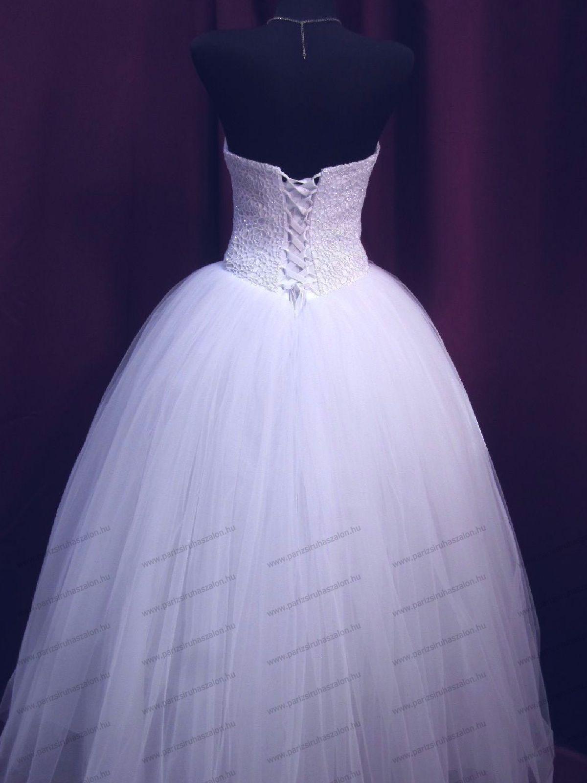 Tüll menyasszonyi ruha URZ 113  e3d3ef6511